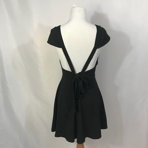 Tea & Cup little black dress with tie in back XS/S